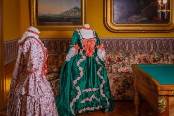Ausstellung zu Mode und Gärten