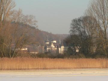 Kloster Hegne im Herbst mit Blick auf den Gnadensee