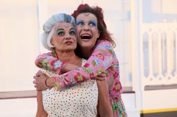 Zwei mörderische Tanten mit grossem Herz